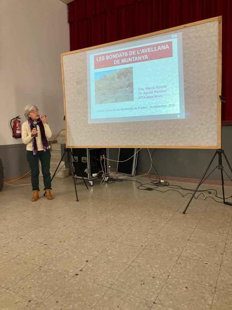 Dra. Mercè Rovira, juntament amb el Dr. Agustí Romero van parlar sobre les bondats de l'avellana de muntanya.